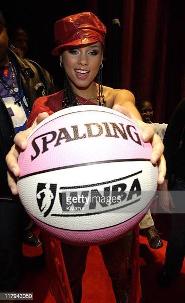 Alicia Keys backstage at the NBA AllStar Read to Achieve Celebration in Philadelphia Saturday February 9 2002