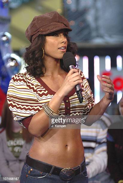 Alicia Keys during Alicia Keys Evangeline Lilly Josh Lucas and the Cast of Glory Road Visit MTV's TRL January 11 2006 at MTV Studios Times Square in...