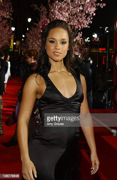 Alicia Keys during 'Memoirs of a Geisha' Los Angeles Premiere Red Carpet at Kodak Theatre in Hollywood California United States