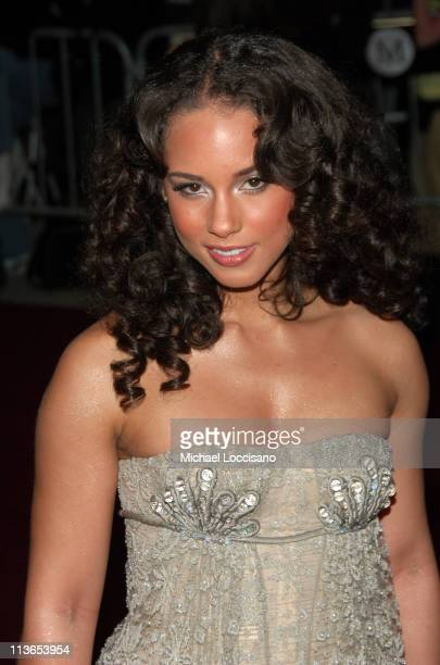 Alicia Keys during 'Poiret King of Fashion' Costume Institute Gala at The Metropolitan Museum of Art Arrivals at Metropolitan Museum of Art in New...