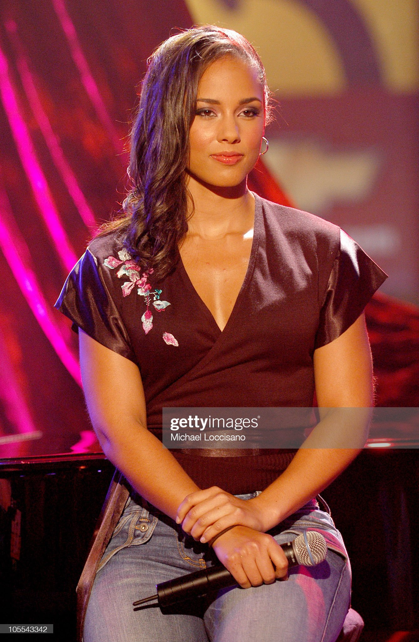 Top 80 Famosas Foroalturas - Página 2 Alicia-keys-during-react-now-music-relief-hurricane-relief-benefit-picture-id105543342?s=2048x2048
