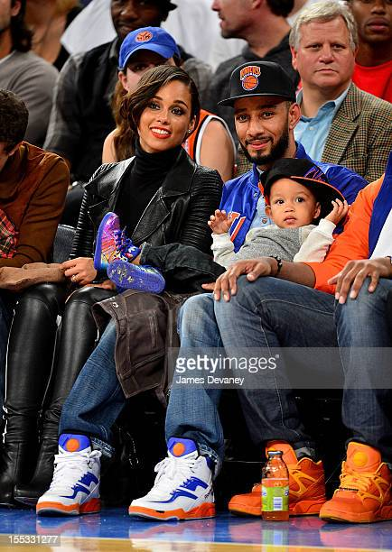 Alicia Keys Egypt Dean and Swizz Beatz attend the Miami Heat vs New York Knicks game at Madison Square Garden on November 2 2012 in New York City