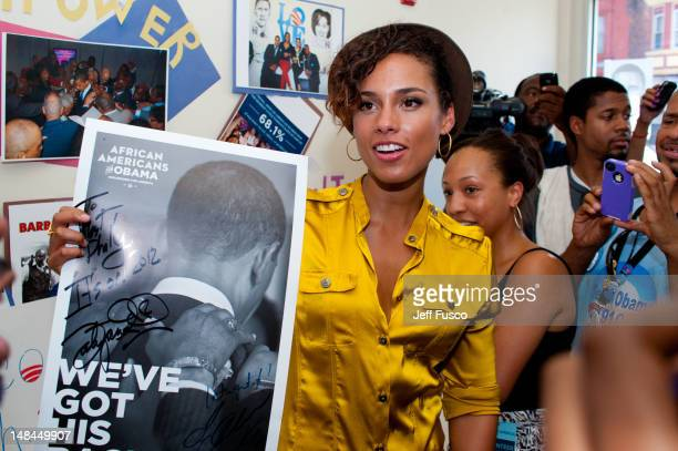 Alicia Keys meets with volunteers at the West Philadelphia Obama Campaign field office July 16, 2012 in Philadelphia, Pennsylvania.