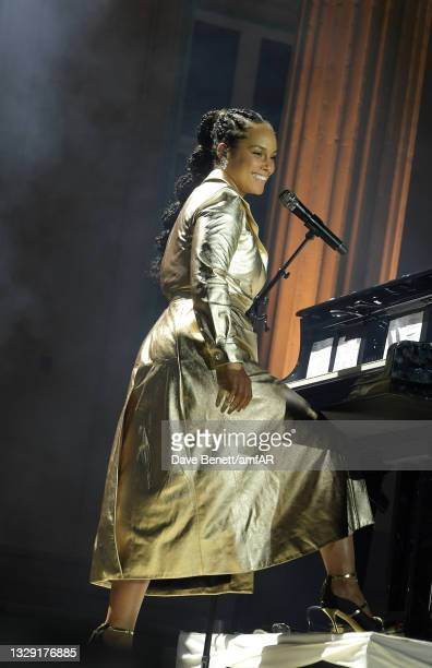 Alicia Keys performs at the amfAR Cannes Gala 2021 at Villa Eilenroc on July 16, 2021 in Cap d'Antibes, France.