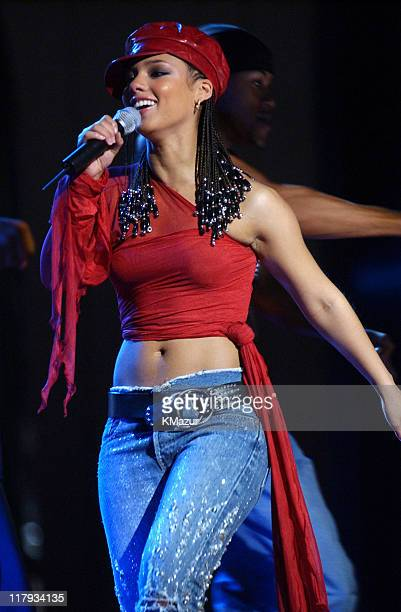 Alicia Keys performs at the NBA AllStar Read to Achieve Celebration in Philadelphia Saturday February 9 2002
