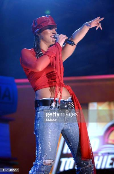 Alicia Keys performs at the NBA AllStar Read to Achieve Celebration in Philadelphia Saturday February 9 2002