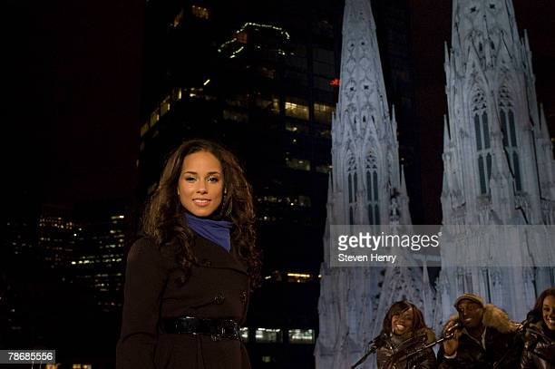 Alicia Keys performs during NBC's New Year's Eve 2008 with Carson Daly in Times Square in New York City