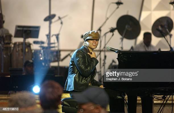 Alicia Keys performs during rehearsals for the 2003 BET Walk of Fame to Honor Aretha Franklin at the BET headquarters Studio II in Washington DC