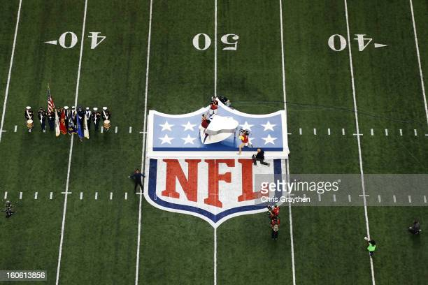 Alicia Keys performs the National Anthem during Super Bowl XLVII between the Baltimore Ravens and the San Francisco 49ers at the MercedesBenz...