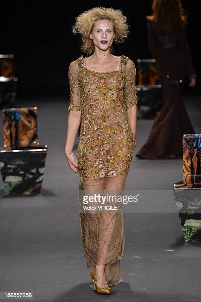Alicia Kuczman walks the runway during the Lino Villaventura show at the Sao Paulo Fashion Week Winter 2014 on October 31 2013 in Sao Paulo Brazil