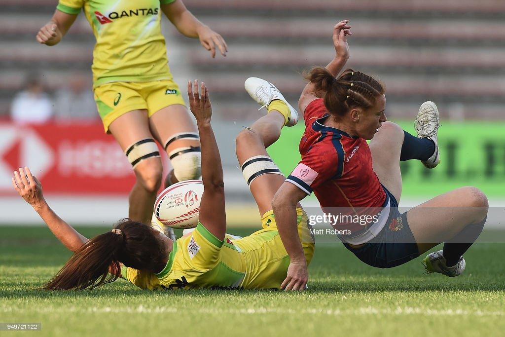 Alicia Quirk of Australia competes for the ball against Barbara Pla of Spain on day one of the HSBC Women's Rugby Sevens Kitakyushu Pool match between Australia and Spain at Mikuni World Stadium Kitakyushu on April 21, 2018 in Kitakyushu, Fukuoka, Japan.