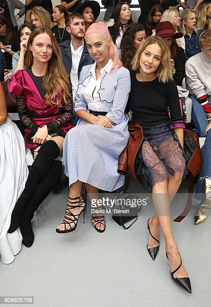 Alicia Rountree Amber Le Bon and Tess Ward attend the Emilio De La Morena show during London Fashion Week Spring/Summer collections 2017 on September...