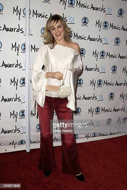 Alicia Silverstone arriving at the My VH1 Music Awards 2001 at the Shrine Auditorium in Los Angeles
