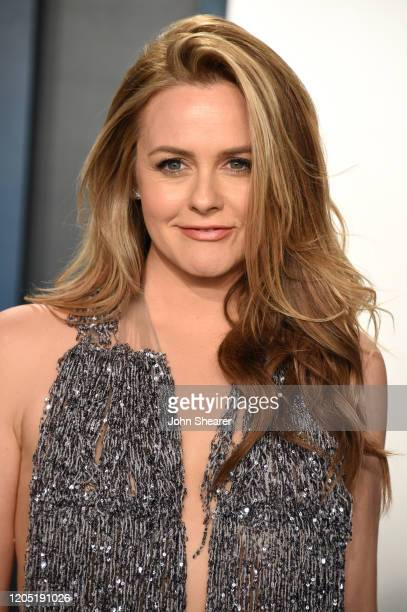 Alicia Silverstone attends the 2020 Vanity Fair Oscar Party hosted by Radhika Jones at Wallis Annenberg Center for the Performing Arts on February 09...