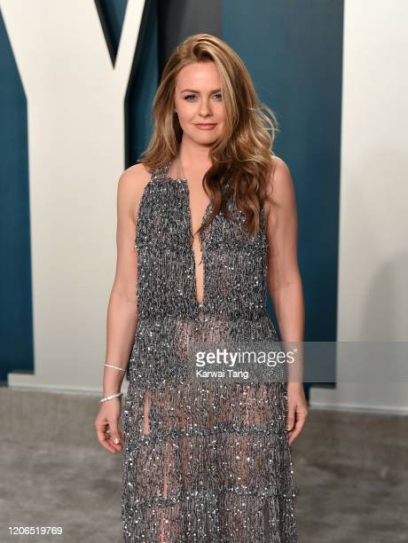 Alicia Silverstone attends the 2020 Vanity Fair Oscar Party hosted by Radhika Jones at Wallis Annenberg Center for the Performing Arts on February...