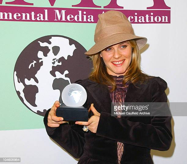 Alicia Silverstone displays her award during the 11th Annual Environmental Media Awards presentation sponsored by Organic Style Magazine published by...