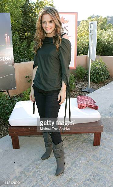 Alicia Silverstone during PETA'S 2006 Vegan Thanksgiving Roast at Private Residence in Los Angeles California United States
