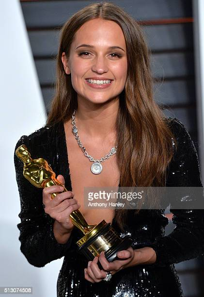 Alicia Vikander attends the 2016 Vanity Fair Oscar Party hosted By Graydon Carter at Wallis Annenberg Center for the Performing Arts on February 28...