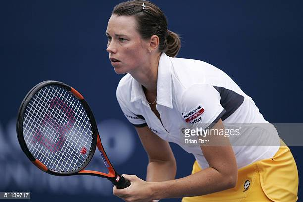 Alina Jidkova of Russia prepares for a serve from Jennifer Capriati of the USA during the second round of the Rogers Cup on August 3 2004 at Uniprix...
