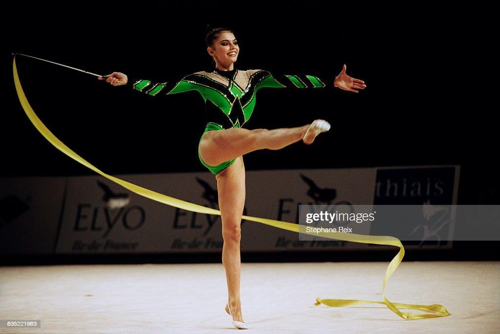 Rhythmic Gymnastics - Alina Kabaeva : News Photo