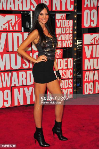 Alina Puscau attends 2009 MTV Video Music Awards Arrivals at Radio City Music Hall on September 13 2009 in New York City