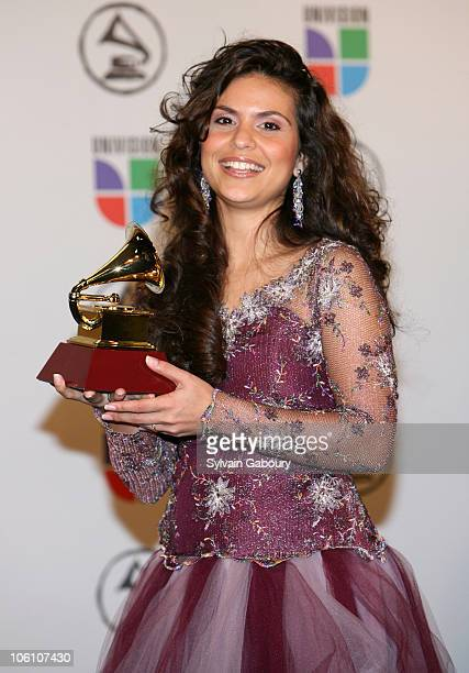 Aline Barros winner Best Christian Album for 'Aline Barros Cia'