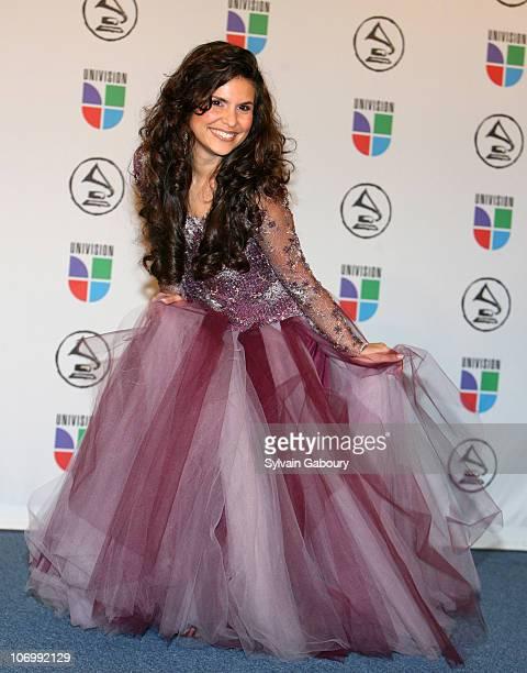 Aline Barros winner Best Christian Album for 'Aline Barros Cia'