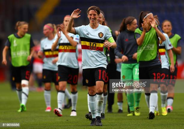 Aline Zeler of Belgium applauds the fans following the UEFA Women's Euro 2017 Group A match between Norway and Belgium at Rat Verlegh Stadion on July...