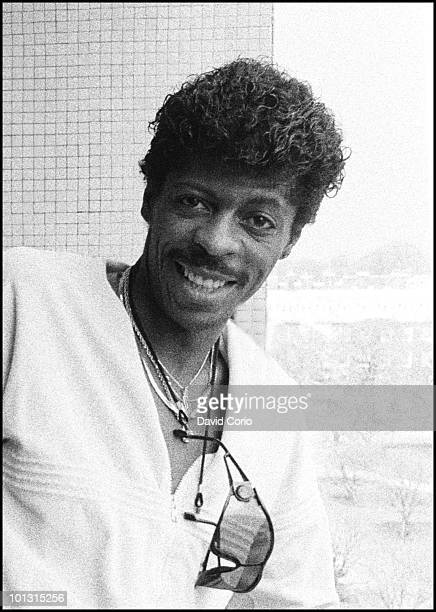 AliOllie Woodson of The Temptations poses for a portrait at the Royal Garden Hotel on 16th April 1986 in London