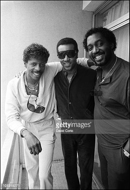 AliOllie Woodson Richard Street and Otis Williams of The Temptations pose for a group portrait at the Royal Garden Hotel on 16th April 1986 in London