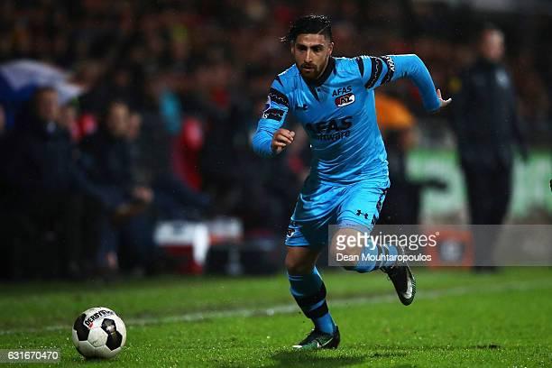 Alireza Jahanbakhsh of AZ Alkmaar in action during the Dutch Eredivisie match between Go Ahead Eagles and AZ Alkmaar held at De Adelaarshorst on...