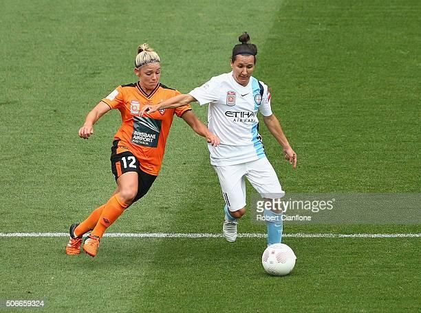 Alisha Foote of Brisbane Roar challenges Lisa De Vanna of Melbourne City during the WLeague semi final match between Melbourne City FC and Brisbane...