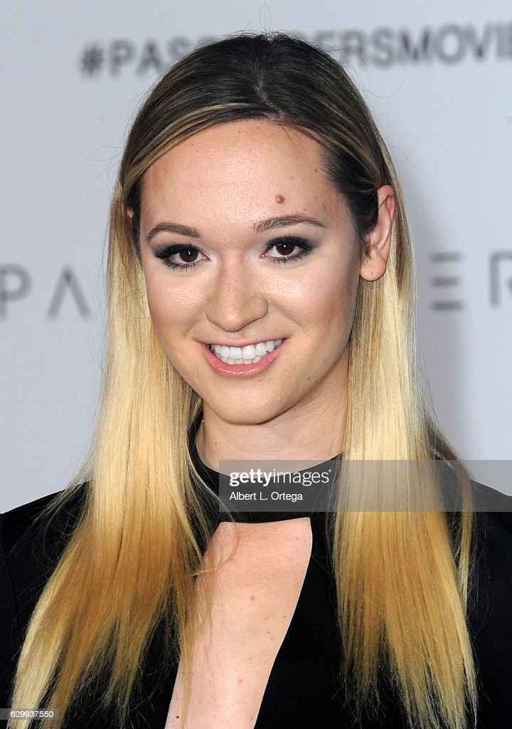 """Premiere Of Columbia Pictures' """"Passengers"""" - Arrivals : News Photo"""
