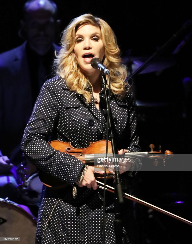 Alison Krauss performs onstage at Rosemont Theatre on October 5, 2017 in Chicago, Illinois.
