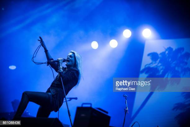 Alison Mosshart from The Kills perfoms at day 4 of Rock in Rio on September 21 2017 in Rio de Janeiro Brazil