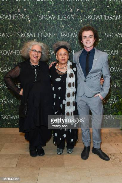 Alison Saar Betye Saar and Spencer Cavanaugh attend Skowhegan Awards Dinner 2018 at The Plaza Hotel on April 24 2018 in New York City Alison...