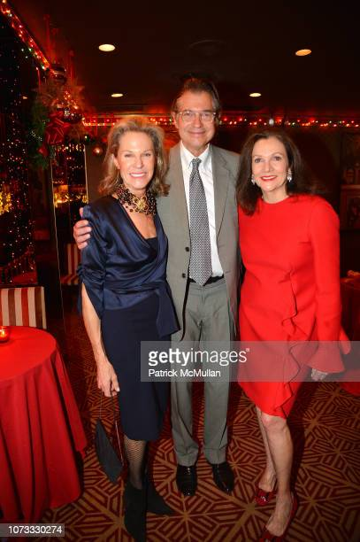 Alison Spear Alex Reese and Leslie Stevens attend George Farias Anne Jay McInerney Host A Holiday Party at The Doubles Club on December 13 2018 in...
