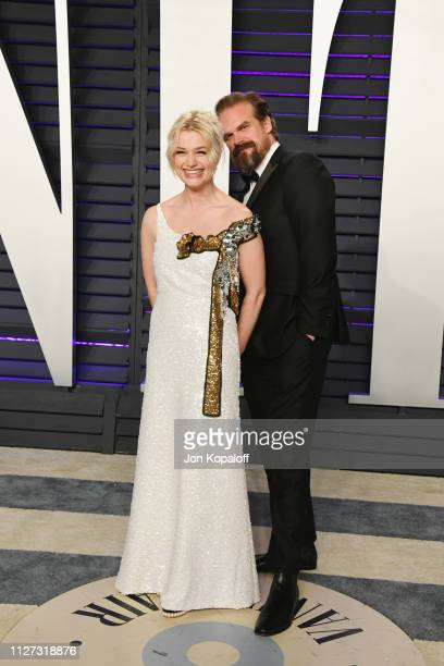 Alison Sudol and David Harbour attend the 2019 Vanity Fair Oscar Party hosted by Radhika Jones at Wallis Annenberg Center for the Performing Arts on...