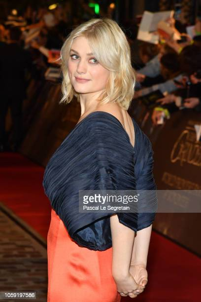 Alison Sudol attends 'Fantastic Beasts The Crimes Of Grindelwald' World Premiere at UGC Cine Cite Bercy on November 8 2018 in Paris France