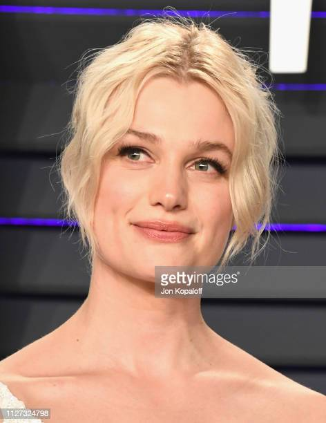 Alison Sudol attends the 2019 Vanity Fair Oscar Party hosted by Radhika Jones at Wallis Annenberg Center for the Performing Arts on February 24 2019...