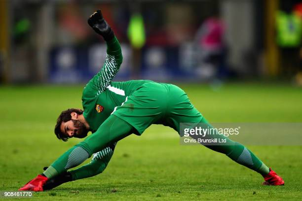 Alisson of AS Roma stretches during the Serie A match between FC Internazionale and AS Roma at Stadio Giuseppe Meazza on January 21 2018 in Milan...