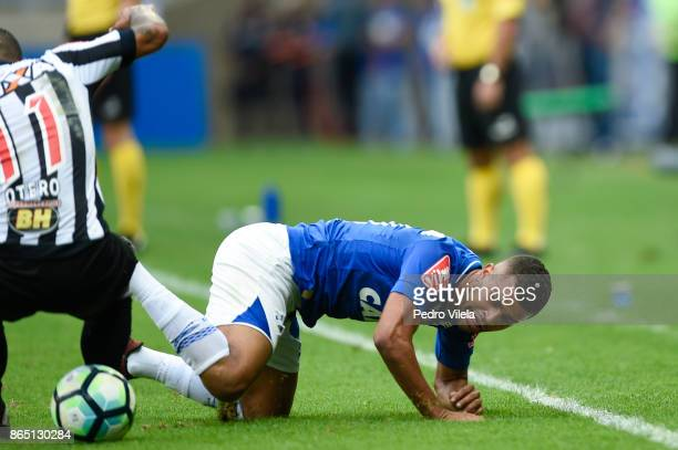 Alisson of Cruzeiro and Otero of Atletico MG battle for the ball during a match between Cruzeiro and Atletico MG as part of Brasileirao Series A 2017...