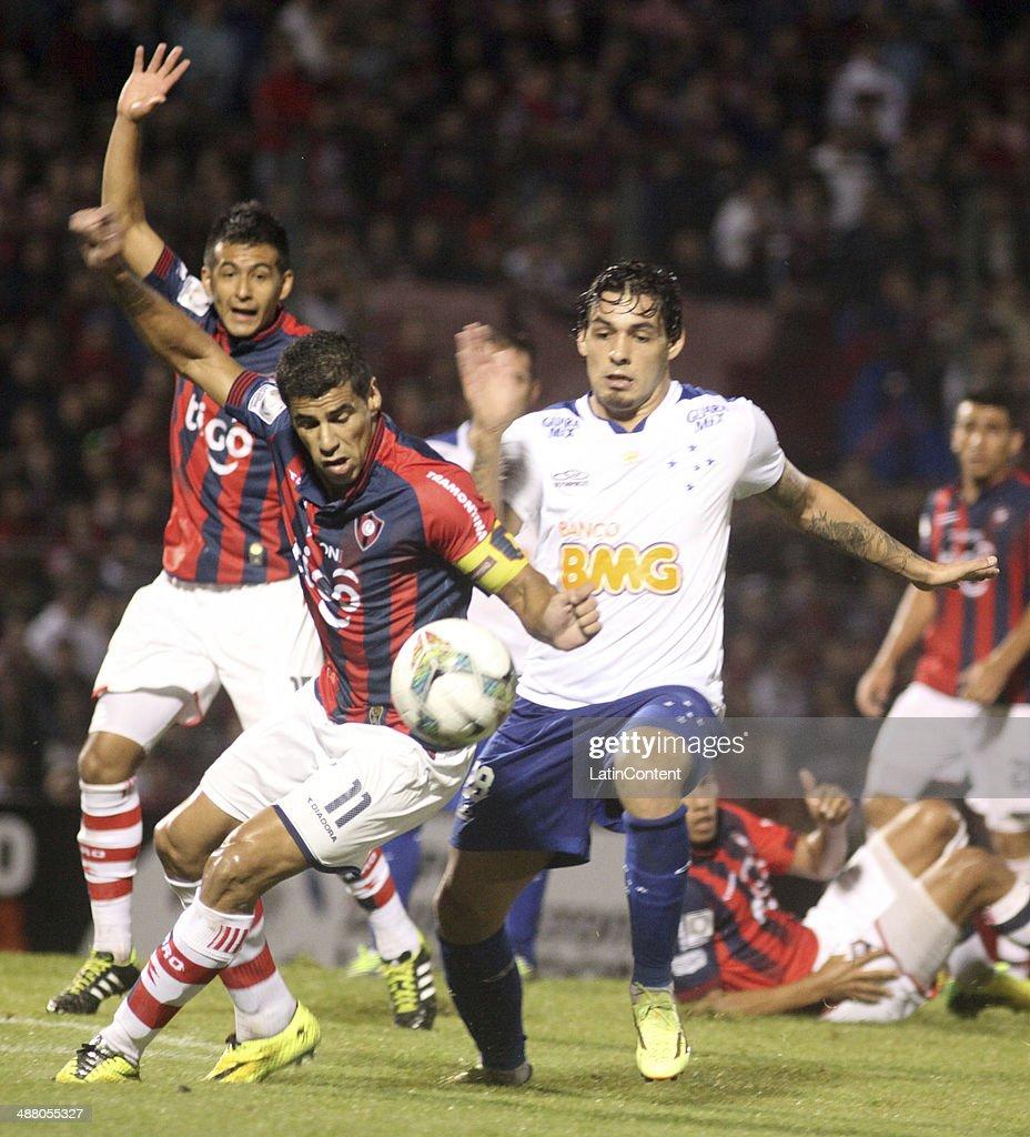Cerro Porteno v Cruzeiro - Copa Bridgestone Libertadores 2014