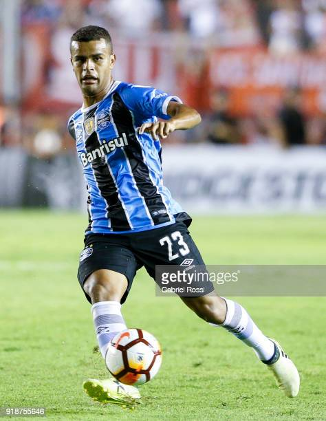 Alisson of Gremio drives the ball during the first leg match between Independiente and Gremio as part of CONMBEOL Recopa Sudamericana 2018 at Estadio...