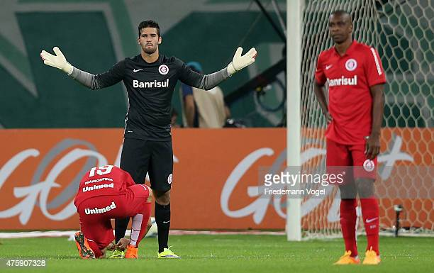 Alisson of Internacional reacts during the match between Palmeiras and Internacional for the Brazilian Series A 2015 at Allianz Parque on June 4 2015...