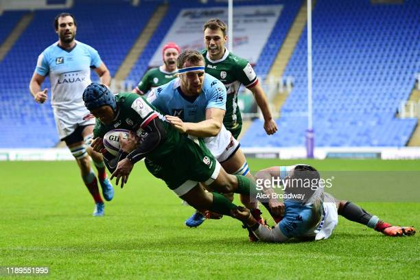 Alivereti Veitokani of London Irish scores a try during the European Rugby Challenge Cup Round 2 match between London Irish and Bayonne at the...