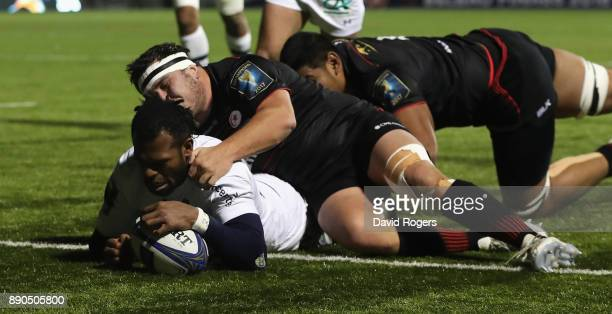 Aliveretti Raka of Clermont Auvergne scores his second try during the European Rugby Champions Cup match between Saracens and ASM Clermont Auvergne...