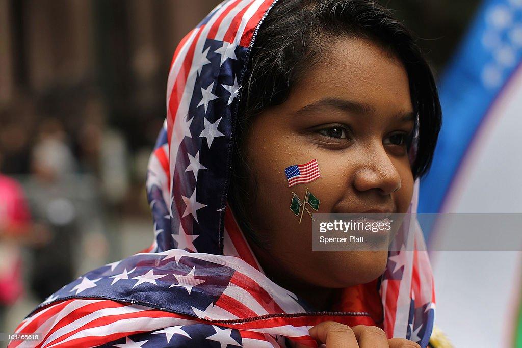 American Muslim Day Parade Winds Through New York City : News Photo