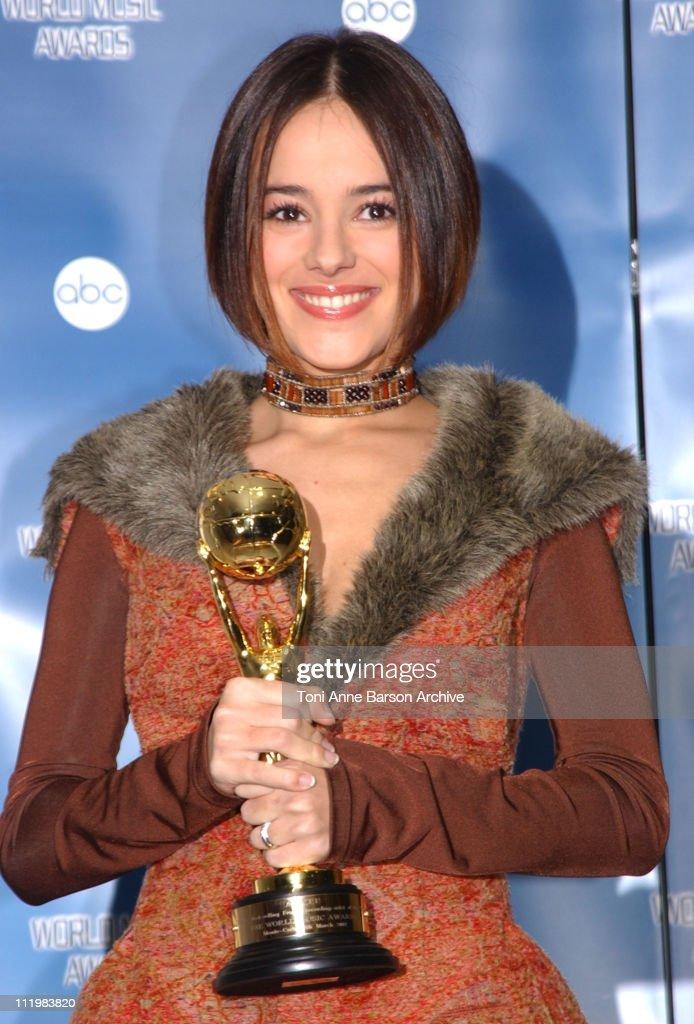 World Music Awards 2002 - Press Room : News Photo