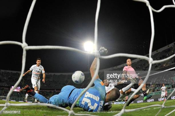 Aljaz Struna of Palermo scores thge equalizing goal during the Serie B match between US Citta' di Palermo and Venezia FC at Stadio Renzo Barbera on...
